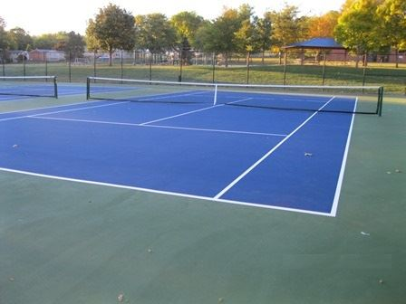 Photo of the tennis courts at Walker Johnston Park
